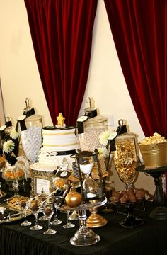This gold and black candy buffet with burgundy accents screams old Hollywood! This would be great for a Great Gatsby themed party! Get all your candy buffet needs at Powell's Sweet Shoppe in Laguna Niguel! Hollywood Glamour, Hollywood Sweet 16, Old Hollywood Party, Glamour Party, Glamour Decor, 30th Birthday Parties, Anniversary Parties, Birthday Ideas, Wedding Anniversary