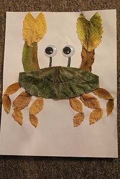 mommy's baby love: fall leaves animal creatures Fall Crafts, Leaf Crafts, Nature Crafts, Flower Crafts, Leaf Art, Autumn Leaves, Autumn Art, Leaf Animals, Jungle Animals