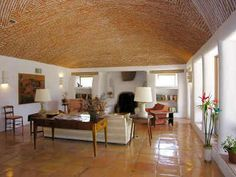 subterranean brick homes Mexico House, Earthship, Ceiling Design, Modern Decor, Bungalow, Beautiful Homes, Interior Decorating, New Homes, House Design