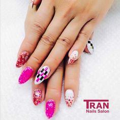 Pink party #trannails #nageldesign #nagelstudioerbach #nailart #wallofnails #gel #manicure