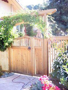 Backyard Gates, Backyard Landscaping, Driveway Gate, Trellis Gate, Arbor Gate, Gate Decoration, Fence Decorations, Front Yard Fence, Low Fence