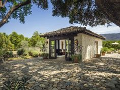 Stunning Spanish-style hacienda ranch in Ojai ... This could be a cottage addition to my dream house. Like studio space or guest living quarters.