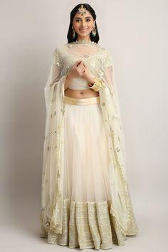 #perniaqureshi #lehenga #getitnow #elegant #getthelook #perniaspopupshop #shopnow #happyshopping