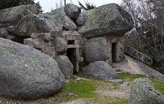 images of rock houses   ... rock houses in the town of Monsanto, southeast of the Serra da Estrela