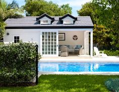 Hamptons Style- House & Garden Pool house
