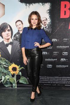 https://flic.kr/p/Zit21G | Sexy german actress in leather pants