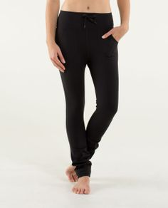 Lululemon Skinny Will Pant (inkwell color): I want these workout pants.