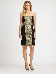 dresses with paneling like this are very flattering