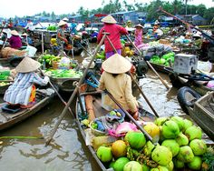 One of the most interesting sights in the Delta are the floating markets and associated river life. Cai Rang Floating Market is open all day but it is busiest from sunrise to about 9am. The main items sold there are farm products and specialties of Cai Rang Town, Chau Thanh District and neighboring areas. Every boat has a long upright pole at its bow on which samples of the goods for sale are hung.