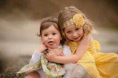 Cute sibling photo... Kinda how I see my girls will be like ;)