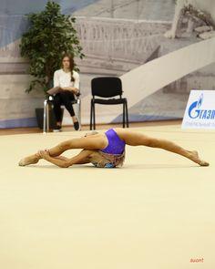 Amazing Gymnastics, Gymnastics Girls, Acrobatic Gymnastics, Human Poses Reference, Gymnastics Photography, Contortion, Female Athletes, Leotards, Dance