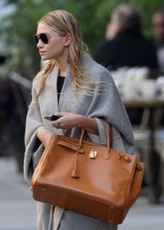 Hermes Celebrities olsen Frockage: Hermes Birkin bag