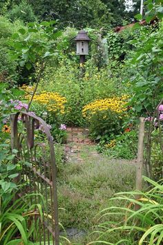 Summer 2015 issue of A Simple Life Magazine - Gardens of Mark Kimball Moulton