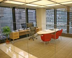 Client: Temasek Holdings   Location: New York, NY Architect: Mufson Partnership Product: Custom table desk and credenza