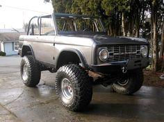 My Jeep Addiction Classic Bronco, Classic Ford Broncos, Classic Trucks, Old Ford Bronco, Early Bronco, Ford Trucks, Pickup Trucks, Broncos Pictures, 2006 Jeep Wrangler