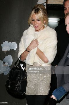 """I always thought that Sienna's """"off camera"""" Edie Sedgwick style was very well done. Too bad she didn't choose the clothes. Studio 54 Style, Edie Sedgwick, Sienna Miller, Andy Warhol, Very Well, Clothes, Tops, Fashion, Outfit"""