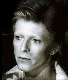 vezzipuss.tumblr.com — David Bowie, Circa 74