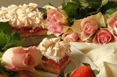 sweet cherimoya: Powrotny placek z rabarbarem i truskawkami
