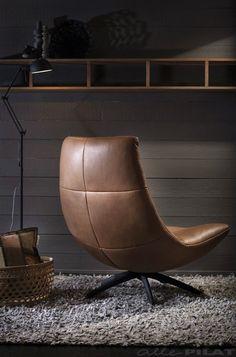 Leren fauteuil Reflex met zwarte draaipoot in cognac kleur leder - Woonwinkel Alle Pilat