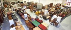 We are a family of antique dealers that have been selling antiques wholesale for many years. We willingly differentiate ourselves from the traditional trade of antique shops: we prefer to conclude a deal quickly even with a low margin rather than waiting for the best customer inclined to buy at a higher price.