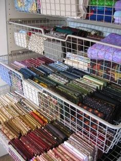 Drool.... SOMEDAY!  I will have my fabric this neat AND accessible!