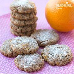 Ricciarelli light - fursecuri sanatoase cu migdale / Light almond cookies Almond Cookies, Lidl, Marzipan, Something Sweet, Stevia, Healthy Desserts, Gluten, Keto, Snacks