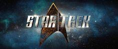 """http://polyprisma.de/wp-content/uploads/2016/05/Star_Trek_2017_logo-1024x431.png Star Trek 2017 TV Serie: Teaser http://polyprisma.de/2016/star-trek-2017-tv-serie-teaser/ Basierend auf Gene Roddenberrys Star Trek (""""Raumschiff Enterprise"""") wird CBS 2017 eine neue TV Serie starten, für die sich Bryan Fuller verantwortlich zeichnet. CBS hat einen ersten Teaser veröffentlicht, der neue Crews, neue Bösewichte, neue Welten und neue Abenteuer ankündigt. Ber..."""