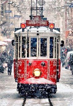PRAHADO YOU LIKE IT praha snow train tram city oldtown fantastic beautiful travel travels travelphotography pic photo photographer photography instalike Peanuts Christmas, Christmas Train, Snow Scenes, Winter Scenes, Winter Photography, Travel Photography, Bonde, Snowy Day, Turkey Travel