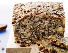 Stenalderbrød er perfekt som snack eller hvis du er sulten for sjov. Denne opskrift er lavet med få kulhydrater og sunde kerner