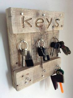 I have never been good in taking care of my keys, I always forget about them where I kept them last. But I am sure that if I get this wood pallet repurposed key rack, I would never lose them and would grab them immediately in the hour of need.