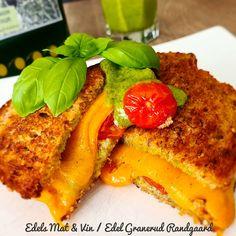 Edels Mat & Vin: Sandwich med cheddar, tomater & pesto Frisk, Cheddar, Pesto, Sandwiches, Cheddar Cheese, Paninis