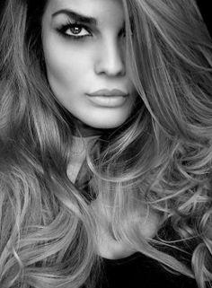 big curls and gorgeous makeup