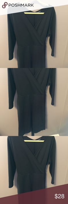 LANDS END DRESS PONTE KNIT, TIES IN BACK.  KNEE LENGTH.  GREAT WITH BOOTS AND NICE NECKLACE TO DRESS UP Lands' End Dresses