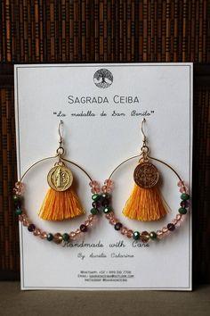 Boucles d'oreilles pendantes avec perles pompon et