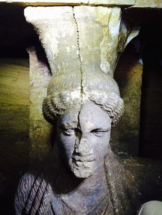 The newly discovered caryatids at the Amphipolis tomb and the symbolism of a lion suits the case of Olympias being buried in this fascinating ancient Greek Ancient Tomb, Ancient Greek Art, Ancient Artifacts, Ancient Greece, Greek History, Ancient History, Alexandre Le Grand, Macedonia Greece, Mycenae