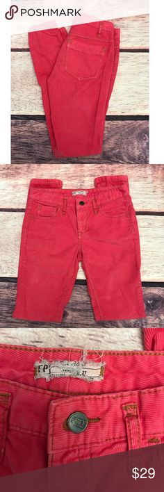 """Free People Corduroy Skinny Pants Hot Pink Size 27 •Pre-Owned  •Free People  •Size 27  •Hot Pink  •Mid-Rise  •Approximately 30"""" Inseam  •Skinny  •Corduroy Pants  •98% Cotton  •2% Spandex  •Excellent Used Condition !! Free People Pants Skinny"""