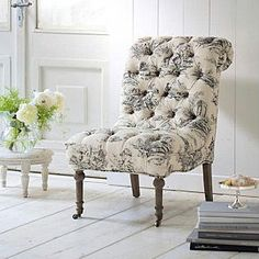 Love little chic chairs like this... I want one in my bedroom with a side table & a book