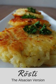 Today's recipe is one of my favorites and I am sure that you heard of it before! Röstis are mostly known as being a Swiss specialty, but because France is so close, you can e… Potato Rosti Recipe, Potato Recipes, Vegetable Recipes, Vegetarian Recipes, Healthy Recipes, Veggie Meals, Easy Delicious Recipes, Clean Recipes, Wine Recipes