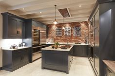 Do you want to make Kitchen Design with Exposed Brick Walls? Kitchen is a place which should remain comfortable, a fantastic mood in cooking to cook a delicious cuisine. You may try another style, Kitchen with Exposed Brick Walls might suit you. Exposed Brick Kitchen, Brick Wall Kitchen, Shaker Style Kitchens, Black Kitchens, Shaker Kitchen, Open Plan Kitchen, Kitchen Ideas, Kitchen Decor, Diy Kitchen