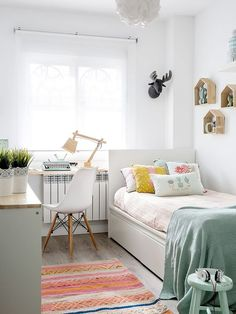 Small Bedroom Furniture Ideas fine Unless you've designed your dream home in accordance with your own unique requirements, there's a possibility you'll have to deal with the challenges . Cute Bedroom Ideas, Room Ideas Bedroom, Small Room Bedroom, Small Rooms, Bedroom Decor, Teen Bedroom, Wall Decor, Cozy Bedroom, Teenage Bedrooms