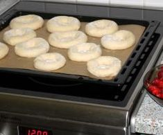 Drożdżówki z truskawkami i lukrem jest to przepis stworzony przez użytkownika AgaSawa. Ten przepis na Thermomix<sup>®</sup> znajdziesz w kategorii Słodkie wypieki na www.przepisownia.pl, społeczności Thermomix<sup>®</sup>. Griddle Pan, Thermomix, Grill Pan