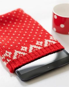Tablet Case from an Old Sweater. Great idea! Tablet Case from an Old Sweater