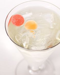 White Wine Spritzer - 5 oz chilled white wine, 3 ounces club soda, pour over ice and top with melon balls. Making these today for Memorial Day BBQ!
