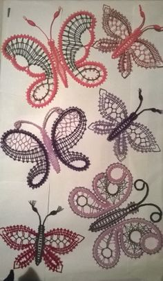 Bobbin Lacemaking, Bruges Lace, Lace Art, Bobbin Lace Patterns, Crochet Butterfly, Point Lace, Lace Jewelry, Lace Making, Loom Knitting