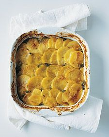 Sorrel and Potato Gratin: Use a mandoline to make thin, even potato slices to layer in between the slightly sour the sorrel and shallots. Creamed Potatoes, Sliced Potatoes, Herb Recipes, Potato Recipes, Potato Dishes, Veggie Recipes, Sorrel Recipe, Potato Gratin Recipe, Cooking