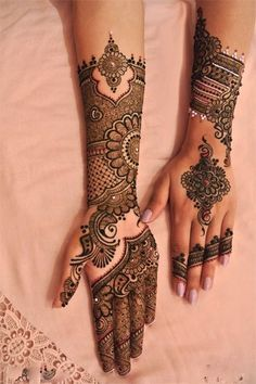 Explore latest Mehndi Designs images in 2019 on Happy Shappy. Mehendi design is also known as the heena design or henna patterns worldwide. We are here with the best mehndi designs images from worldwide. Mehendi, Mehandi Henna, Jagua Henna, Mehndi Hair, Pakistani Mehndi, Arabic Mehndi, New Mehndi Designs 2018, Bridal Mehndi Designs, Bridal Henna