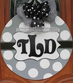 This Hand Painted, Wooden Door Hanger Welcomes All Visitors! Ideas For  Display: