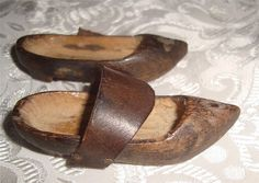BEAUTIFUL TINY ANTIQUE 19TH C FRENCH DOLLS WOOD LEATHER CLOGS SABATONS SHOES B Leather Clogs, French Vintage, Dolls, Antiques, Wood, Ebay, Shoes, Beautiful, Baby Dolls