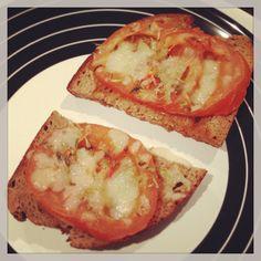 bruschetta de pão de centeio * rye bread bruschetta