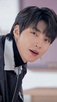 Suho, Korean Drama Songs, Handsome Korean Actors, Asian Love, Asian Men, Love U Forever, Bts Aesthetic Pictures, Kdrama Actors, Cute Actors